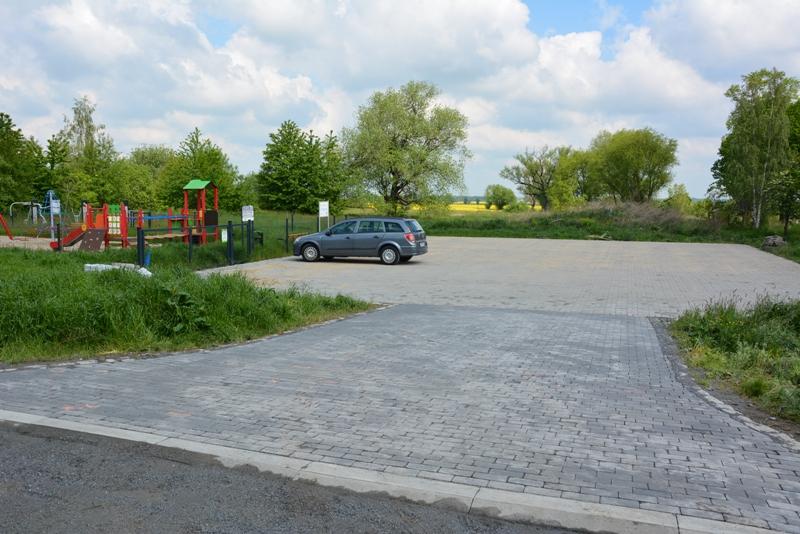 Plac z funduszu sołeckiego i recyklingu