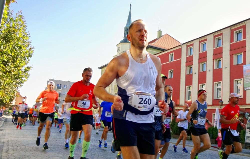 Wystartował półmaraton w Strzegomiu [FOTO]