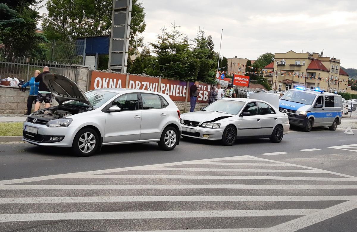 Wypadek trzech aut na Alei Wojska Polskiego [FOTO]