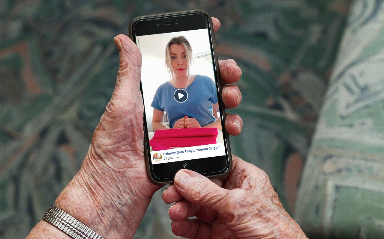 Seniorzy mają zajęcia online