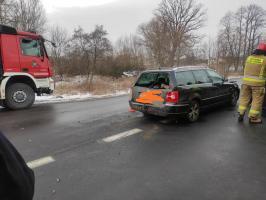 Zdarzenie z udziałem 4 aut na krajowej