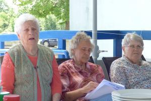 Uczniowie i seniorzy grillowali [FOTO]