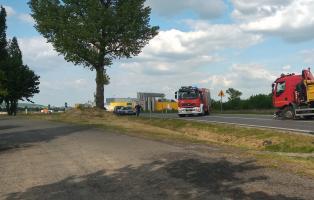 Zderzenie osobówki z ciężarówką w okolicach skrętu na Stawiska [FOTO]