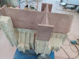 Powstanie granitowa rzeźba Bazyliki Mniejszej [FOTO]