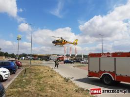 Akcja ratownicza przy centrum handlowym [FOTO]