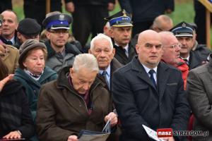 Ofiary obozu pracy w Grabinie doczekały się pomnika [FOTO + FILM]]