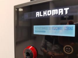 Samoobsługowy alkomat w strzegomskim komisariacie [FOTO]