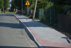 Bezpieczniej w Olszanach. Mieszkańcy mają nowy chodnik  [FOTO]